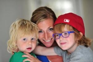 Frederieke Boersma met haar 2 kinderen
